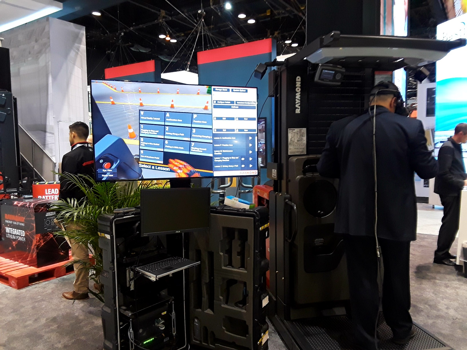 Intelligent manufacturing solutions: AR, VR and robotics abound at ProMat 2019
