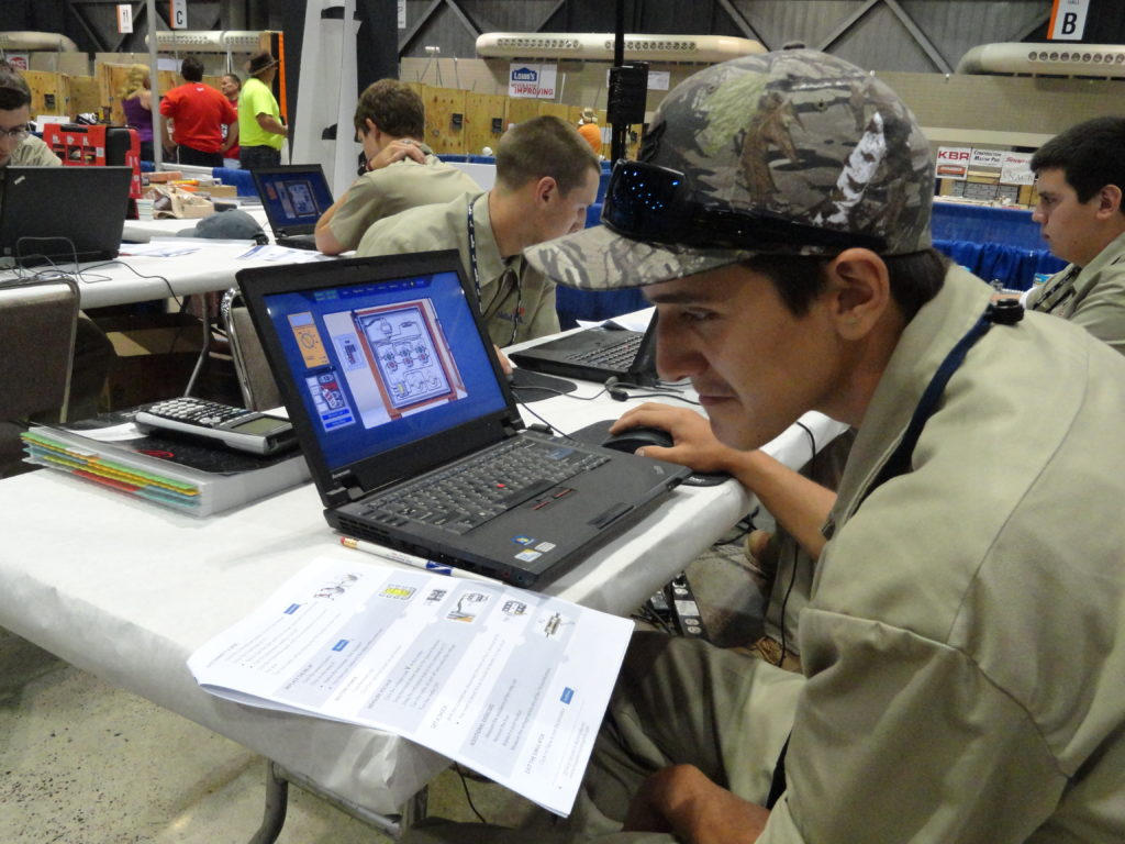 Learning the Simutech software before the start of the competition